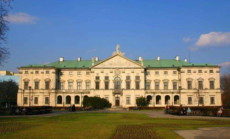 Pałac Krasińskich wWarszawie Pałac Krasińskich wWarszawie Źródło: Ewa Wojciechowski, Marek Wojciechowski, Wikimedia Commons, licencja: CC BY-SA 3.0.