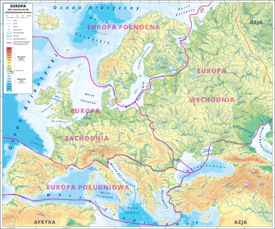 Ilustracja przedstawia mapę hipsometryczną Europy. Wobrębie lądów występują obszary wkolorze zielonym, żółtym, pomarańczowym iczerwonym. Morza zaznaczono kolorem niebieskim. Na mapie poza opisaną siecią rzeczną nie ma nazw żadnych innych obiektów geograficznych. Czerwonymi liniami oddzielono wielkie regiony fizycznogeograficzne: Europa Północna, Europa Zachodnia, Europa Południowa, Europa Wschodnia ipodpisano je. Mapa zawiera południki irównoleżniki, dookoła mapy wbiałej ramce opisano współrzędne geograficzne co pięć stopni.