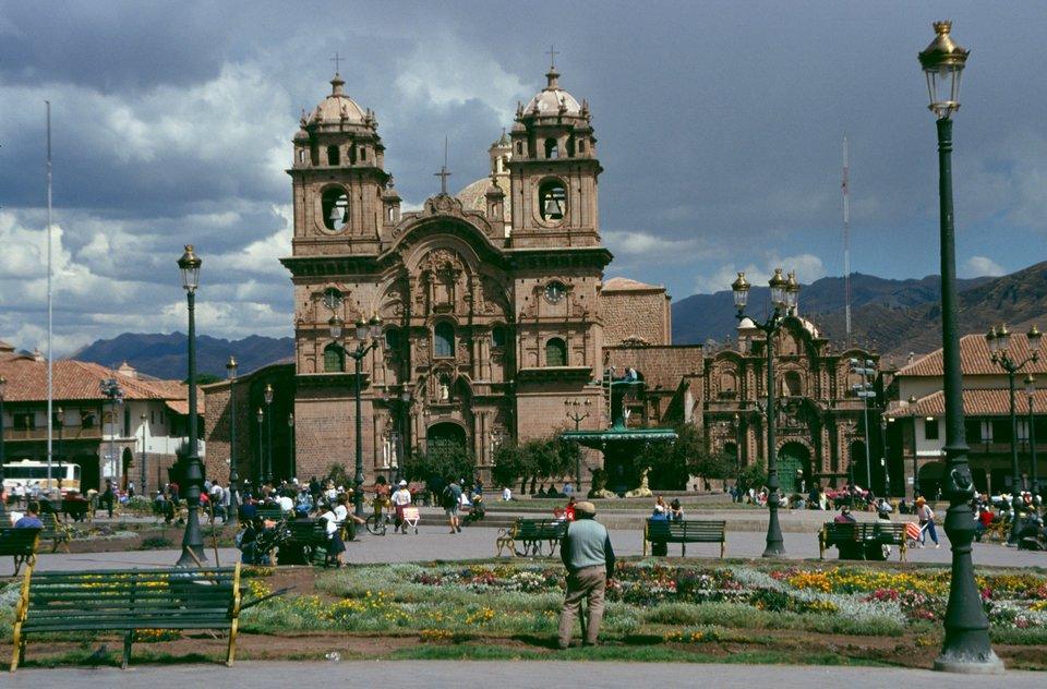 Kościółjezuicki wdawnej stolicy Inków wCusco Kościółjezuicki wdawnej stolicy Inków wCusco Źródło: Wikimedia Commons, licencja: CC BY-SA 2.5.