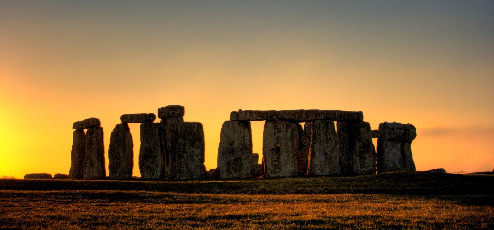 Megality wStonehenge (czyt. stołnhendż), Wielka Brytania Megality wStonehenge (czyt. stołnhendż), Wielka Brytania Źródło: Wikimedia Commons, licencja: CC BY-SA 2.0.