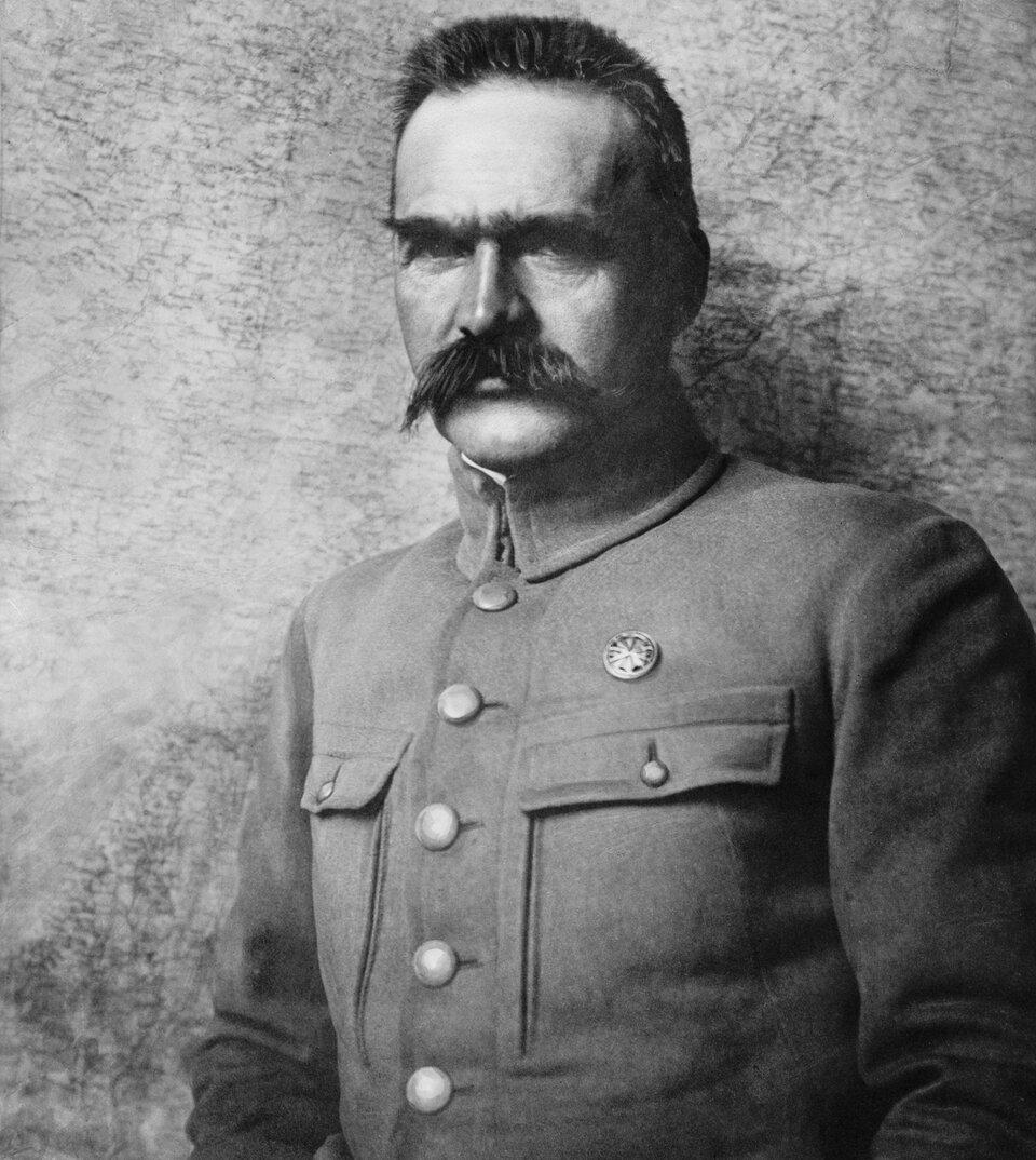 Józef Piłsudski Józef Piłsudski Źródło: K. Pęcherski, 1910–1920, fotografia archiwalna, domena publiczna.