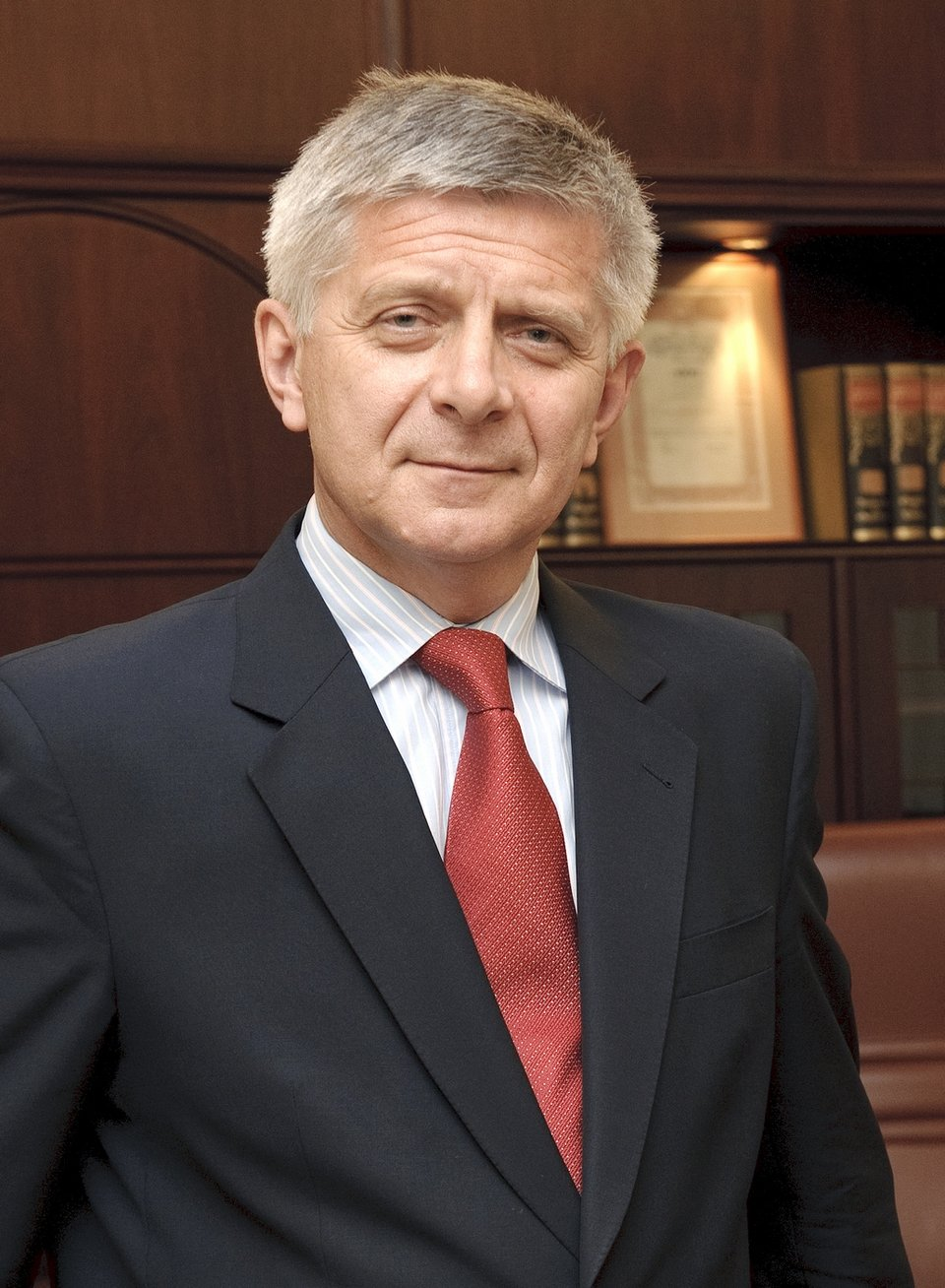 Marek Belka, Prezes Narodowego Banku Polskiego od 11 czerwca 2010 roku Marek Belka, Prezes Narodowego Banku Polskiego od 11 czerwca 2010 roku Źródło: Archiwum NBP, licencja: CC BY-SA 2.0.