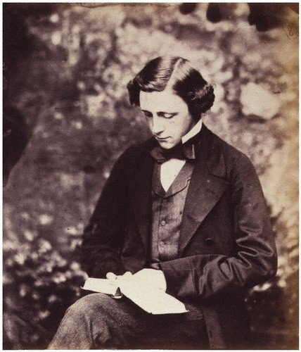 Autoportret Źródło: Lewis Carroll, Autoportret, 1857, domena publiczna.