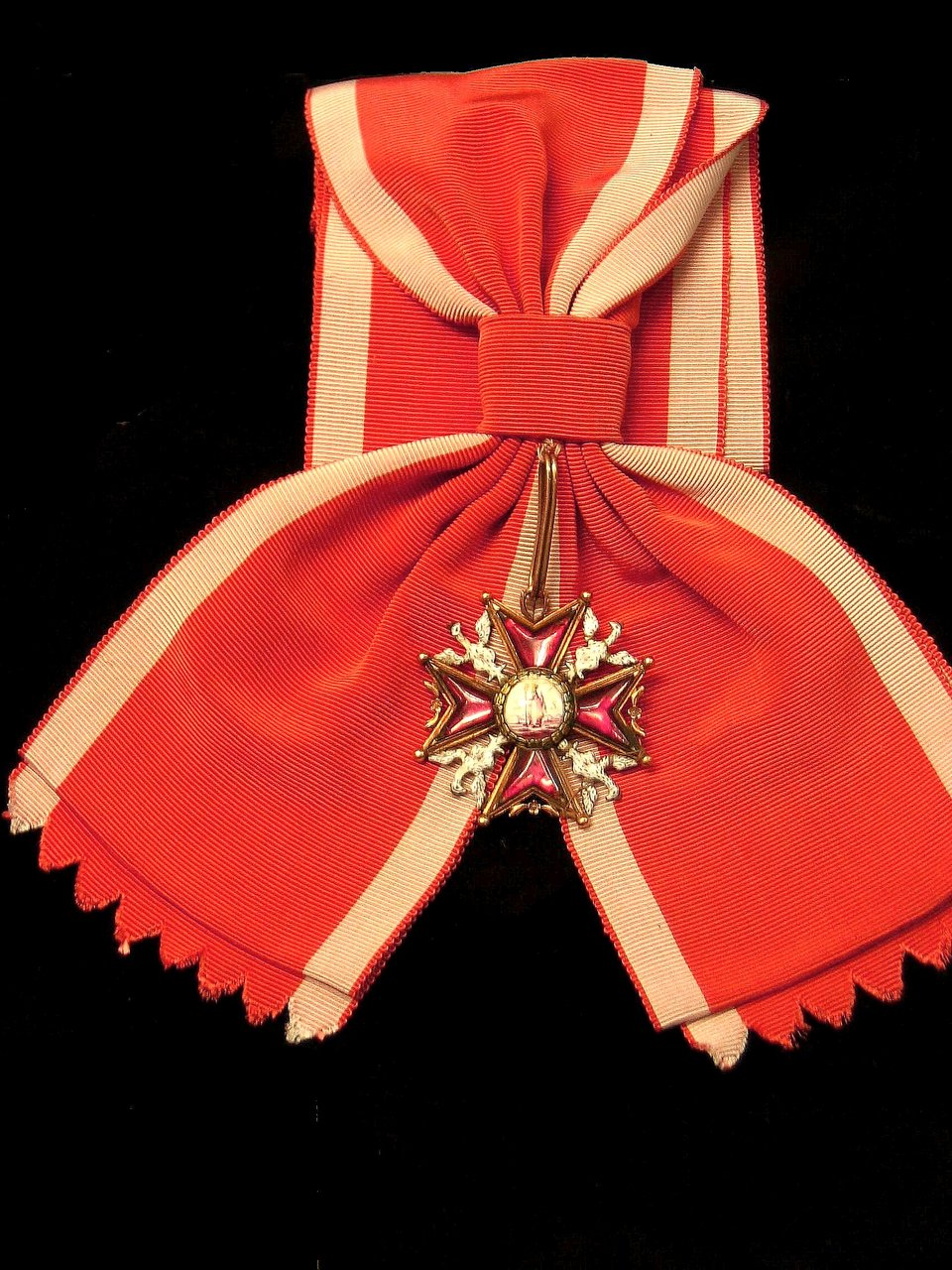 Order Świętego Stanisława Order Świętego Stanisława Źródło: Maciej Szczepańczyk, Wikimedia Commons, licencja: CC BY-SA 3.0.