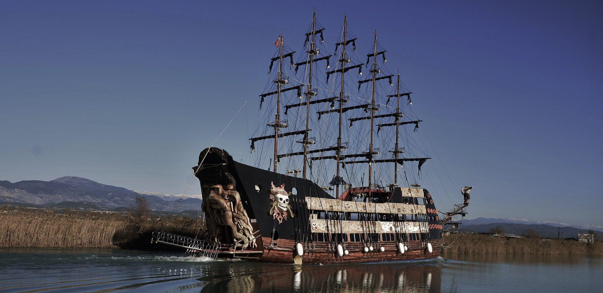 Statek piracki Źródło: licencja: CC 0.