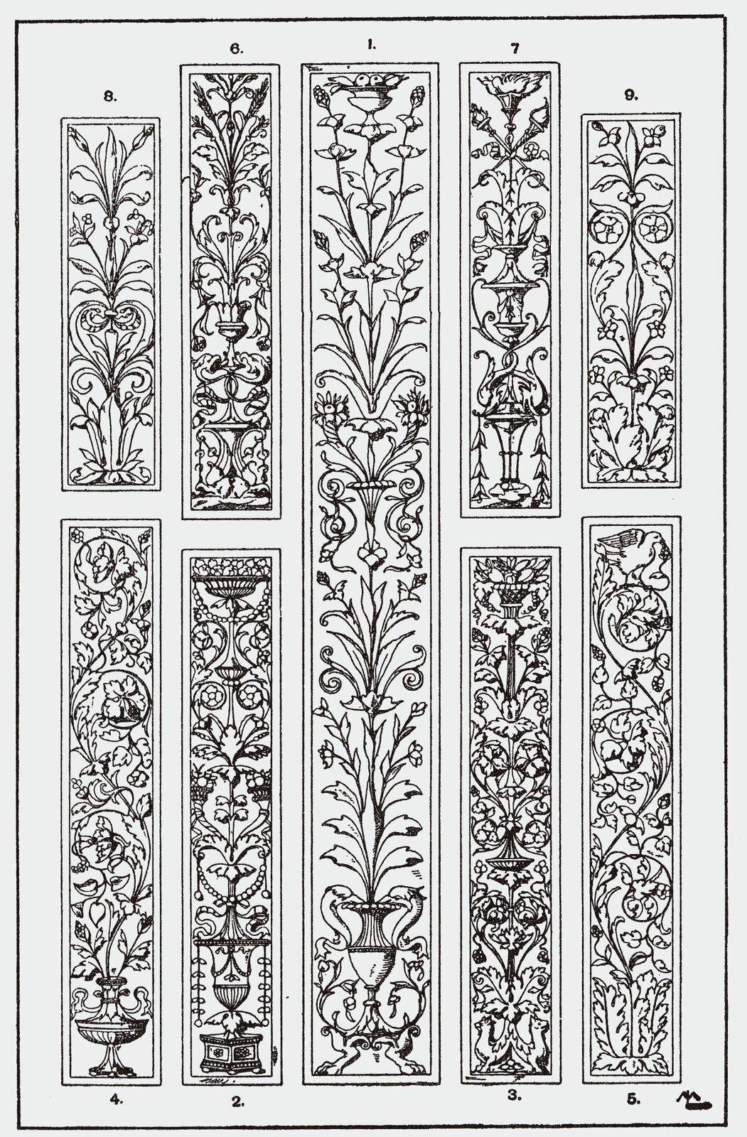 Ilustracja przedstawiająca ornament: arabeska. Element dekoracyjny naszkicowany jest czarnym kolorem bez wypełnień. Na ornamencie widoczne są zdobienia kwiatowe.