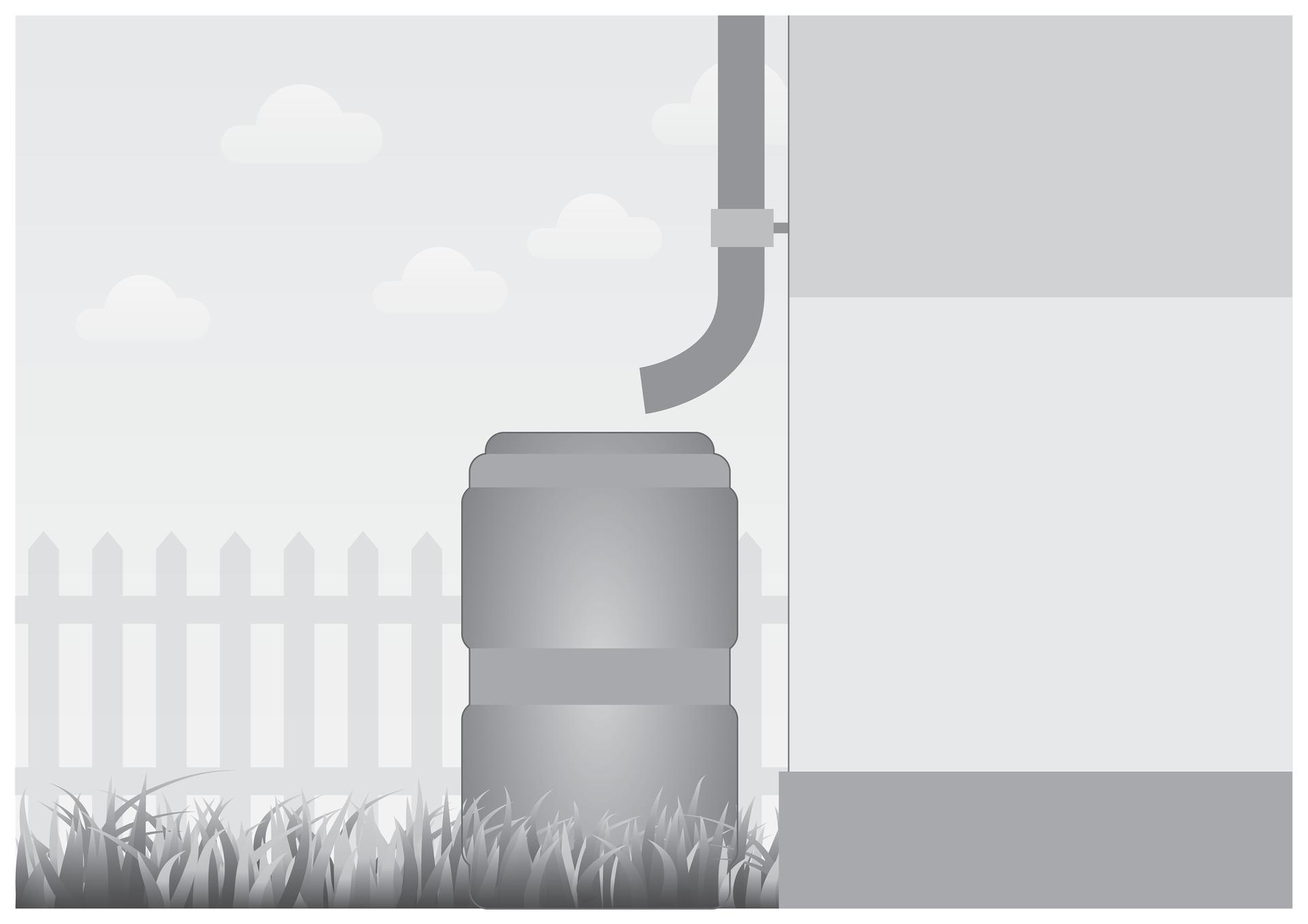 Czwarta ilustracja wgalerii. Przedstawia czarno biały rysunek narożnika budynku zpłotem wtle. Na narożniku zamontowana jest rynna zakończona na wysokości około 1,5 metra nad trawiastą powierzchnią ziemi. Pod rynną umieszczona duża beczka do zbierania deszczówki.