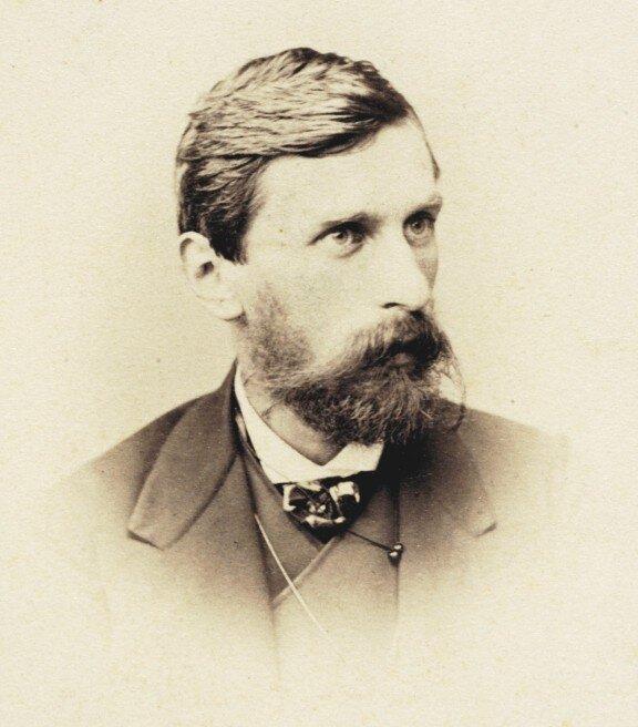 Adam Asnyk Adam Asnyk Źródło: ok. 1863, fotografia, domena publiczna.
