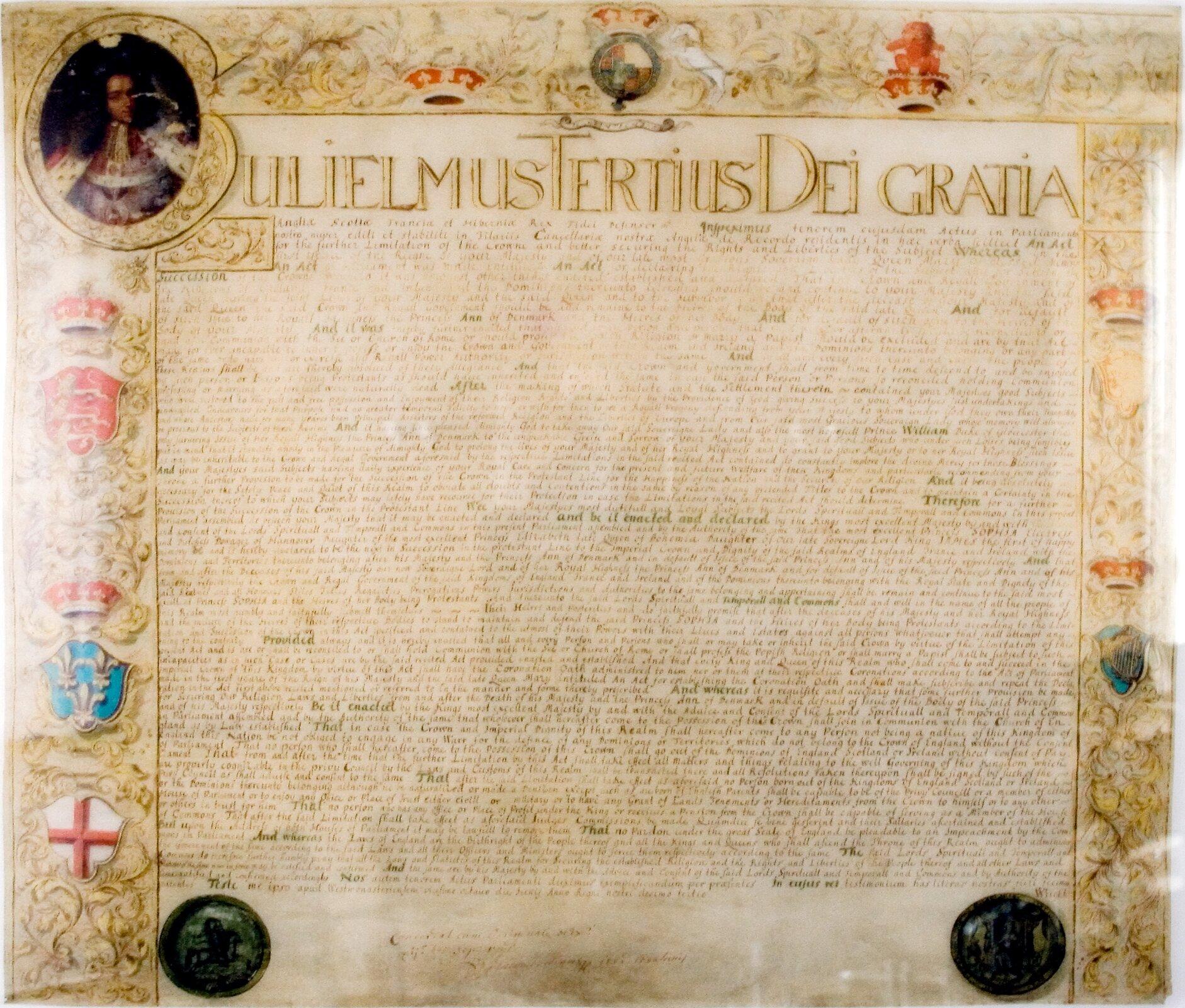 Act of Settlement Oficjalnydokument, wktórym parlament brytyjski przenosił dziedziczenie tronu na linię elektorów hanowerskich.Act of Settlement wydano w1701 r. Źródło: Torsten Bätge, Act of Settlement, Wikimedia Commons, licencja: CC BY-SA 3.0.