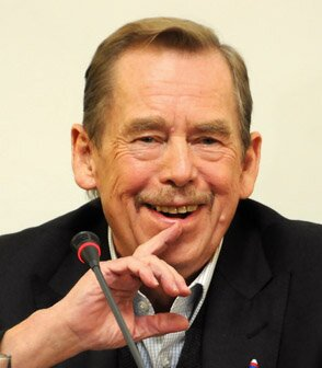 Václav Havel Źródło: Ondřej Sláma, Václav Havel, Fotografia, licencja: CC BY-SA 3.0.