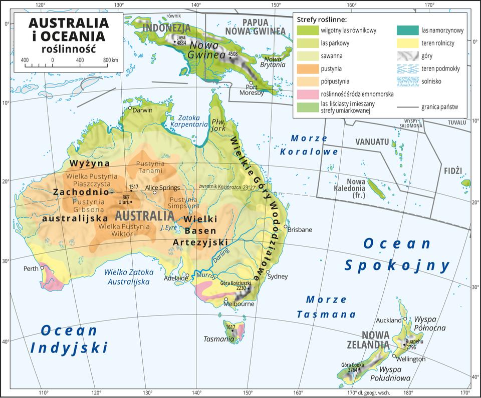 Ilustracja przedstawia mapę roślinności Australii iOceanii. Kolorami oznaczono następujące strefy roślinne: wilgotny las równikowy, las parkowy, sawanna, pustynia, półpustynia, roślinność śródziemnomorska, las liściasty imieszany strefy umiarkowanej, las namorzynowy. Wzdłuż równika (Nowa Gwinea) wilgotne lasy równikowe ilasy namorzynowe. Wcentrum ina wschodzie Australii pustynie ipółpustynie. Dookoła sawanna. Na wschodnim wybrzeżu lasy parkowe itereny rolnicze. Na najdalej wysuniętych na południe krańcach kontynentu – roślinność śródziemnomorska itereny rolnicze. Na mapie południki irównoleżniki. Dookoła mapy wbiałej ramce opisano współrzędne geograficzne co dziesięć stopni. Wlegendzie umieszczono iopisano kolory użyte na mapie.