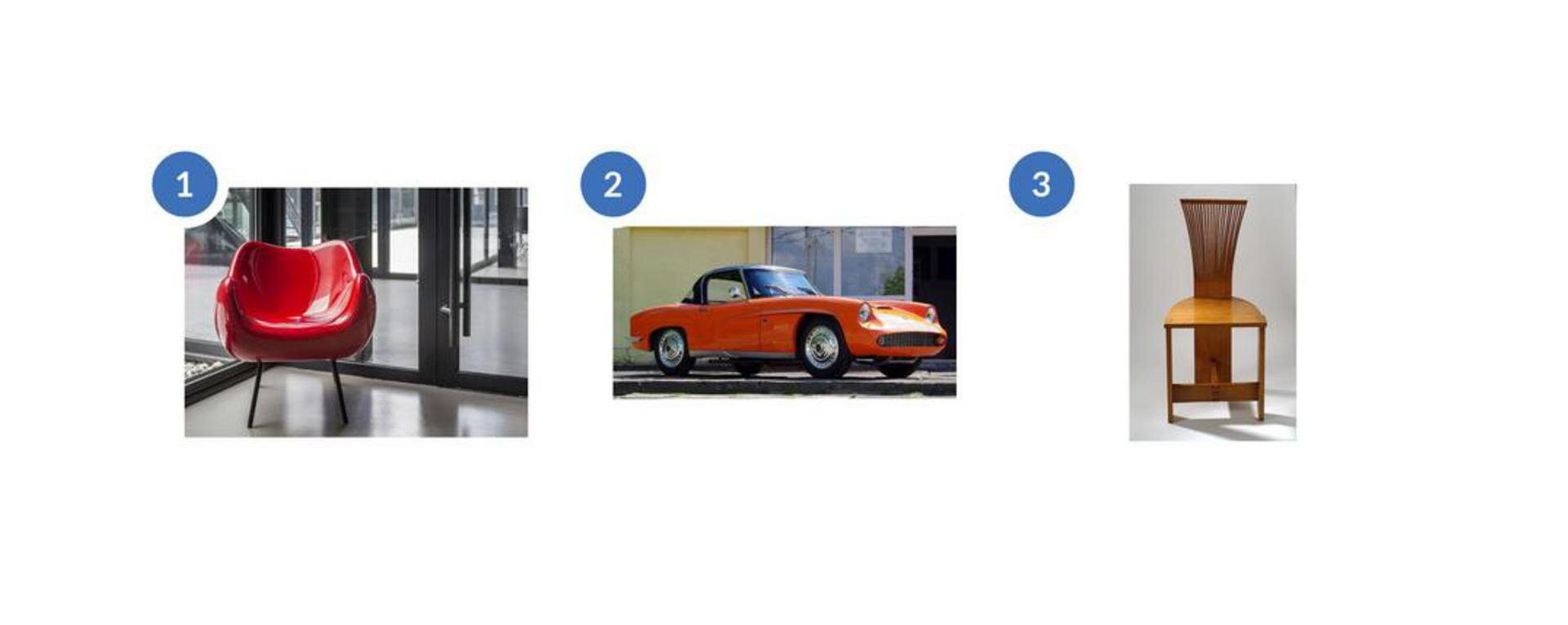 """Pierwsze zdjęcie przedstawia projekt fotela. Jest to czerwony plastikowy fotel stojący na czterech cienkich, długich nogach. Fotel stoi wpomieszczeniu przed drzwiami. drugie zdjęcie przedstawia samochód Syrenę Sport. Jest to pomarańczowa dwudrzwiowa Syrena zchromowanymi felgami ilusterkami. Lampy przednie przypominają oczy, aponiżej nich jest kratkowany owalny grill. Samochód stoi na tle żółtego budynku ze szklaną witryną. Trzecie zdjęcie przedstawia projekt pt. """"Krzesło Piórka"""". Jest to krzesło wykonane zdrewna ojasno brązowym kolorze. Oparcie wygląda jakby było zrobione zcienkich listewek szersze ugóry, awęższe przy części do siedzenia. Oparcie chodzi aż do ziemi stanowiąc trzecią nogę krzesła. Udołu pod częścią do siedzenia są dwie prostopadle do siebie połączone deski stanowiące umocnienie konstrukcji krzesła."""