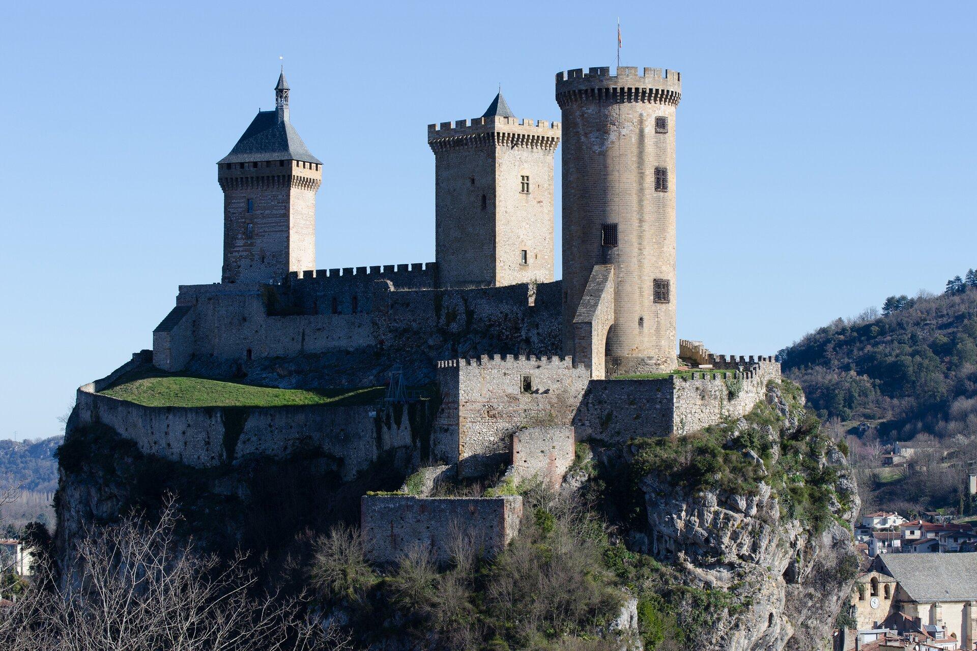 Zamek Foix we Francji Zamek Foix we Francji Źródło: domena publiczna.