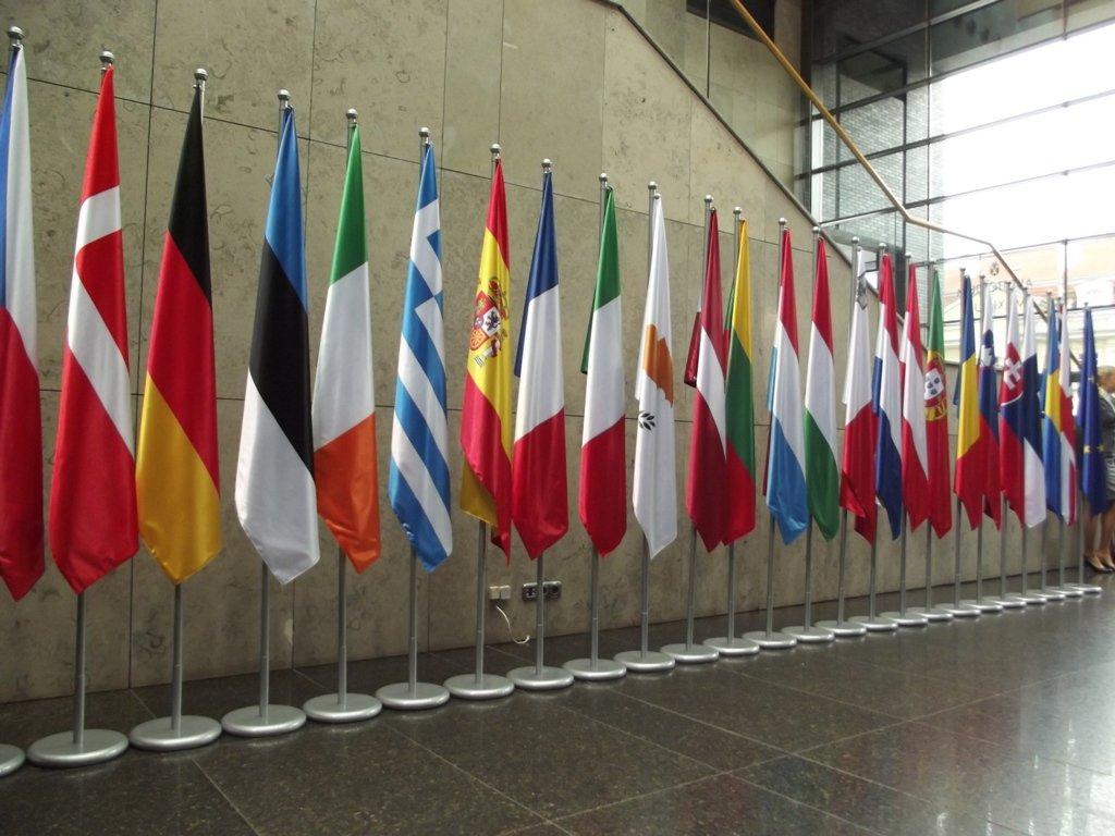 Flagi państw członkowskich UE Źródło: DrabikPany, Flagi państw członkowskich UE, licencja: CC BY 2.0.