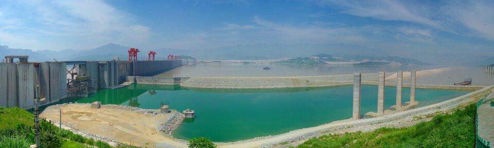 Zapora Trzech Przełomów na rzece Jangcy wChinach
