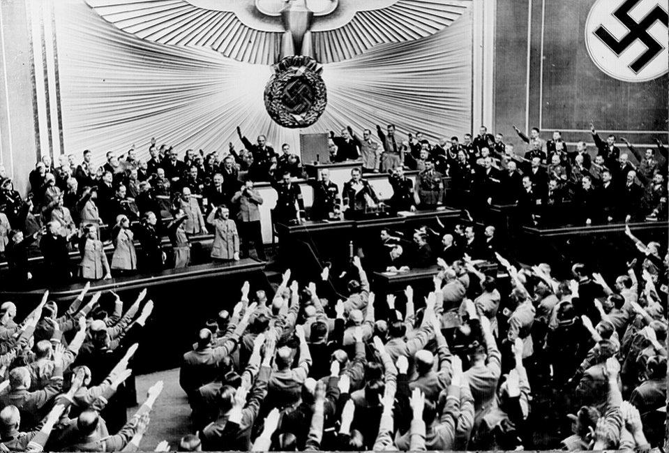 Głosowanie wReichstagu za przyłączeniem Austrii Głosowanie wReichstagu za przyłączeniem Austrii Źródło: Marion Doss, licencja: CC BY-SA 2.0.
