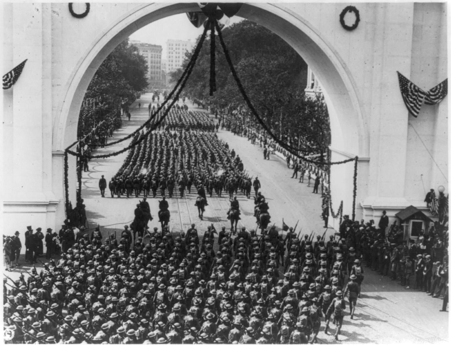 Żołnierze wracający zIWojny Światowej Źródło: Żołnierze wracający zIWojny Światowej, 1919, domena publiczna.