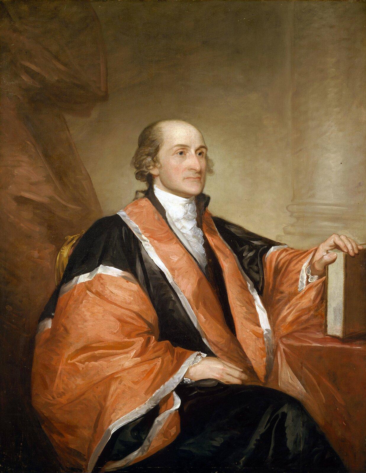 Portret Johna Jaya pierwszegoprzewodniczącego Sądu Najwyższego Stanów Zjednoczonych.Portretnamalowany w1794 r. przez Gilberta Charlesa Stuarta (1755-1828), malarza cieszącego się uznaniem wAnglii, którą jednak musiał opuścić zpowodu długów. Portret Jaya zapoczątkował karierę malarza wStanach Zjednoczonych. Dostojnik pozował jedynie przy malowaniu głowy, reszta postaci powstała już bez udziału modela.Najbardziej znane dzieło Stuarta to niedokończony portret Jerzego Waszyngtona.Prezentowany portret przechowywany jest wNarodowej Galerii Sztuki wWaszyngtonie. Portret Johna Jaya pierwszegoprzewodniczącego Sądu Najwyższego Stanów Zjednoczonych.Portretnamalowany w1794 r. przez Gilberta Charlesa Stuarta (1755-1828), malarza cieszącego się uznaniem wAnglii, którą jednak musiał opuścić zpowodu długów. Portret Jaya zapoczątkował karierę malarza wStanach Zjednoczonych. Dostojnik pozował jedynie przy malowaniu głowy, reszta postaci powstała już bez udziału modela.Najbardziej znane dzieło Stuarta to niedokończony portret Jerzego Waszyngtona.Prezentowany portret przechowywany jest wNarodowej Galerii Sztuki wWaszyngtonie. Źródło: Gilbert Stuart, 1794, Olej na płótnie, National Gallery of Art, domena publiczna.