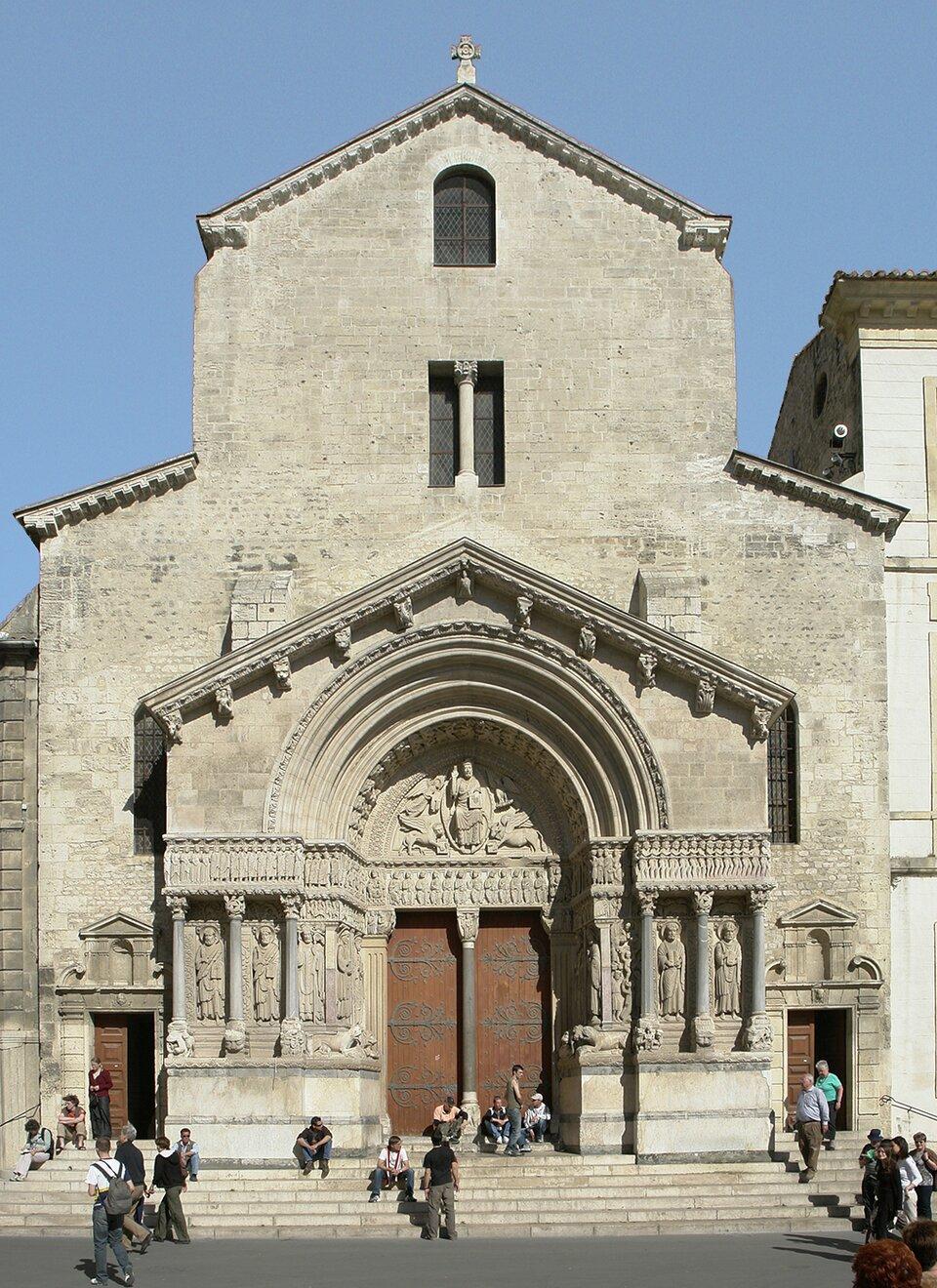 Arles, St. Trophime Źródło: Hans Peter Schaefer, Arles, St. Trophime, licencja: CC BY-SA 3.0.