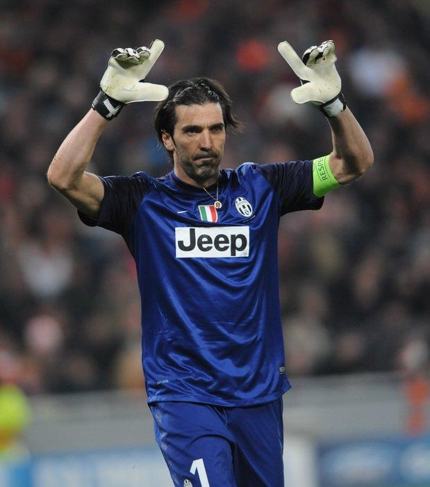 Gianluigi Buffon, włoski bramkarz Gianluigi Buffon, włoski bramkarz Źródło: Walerij Dudusz, licencja: CC BY-SA 3.0.