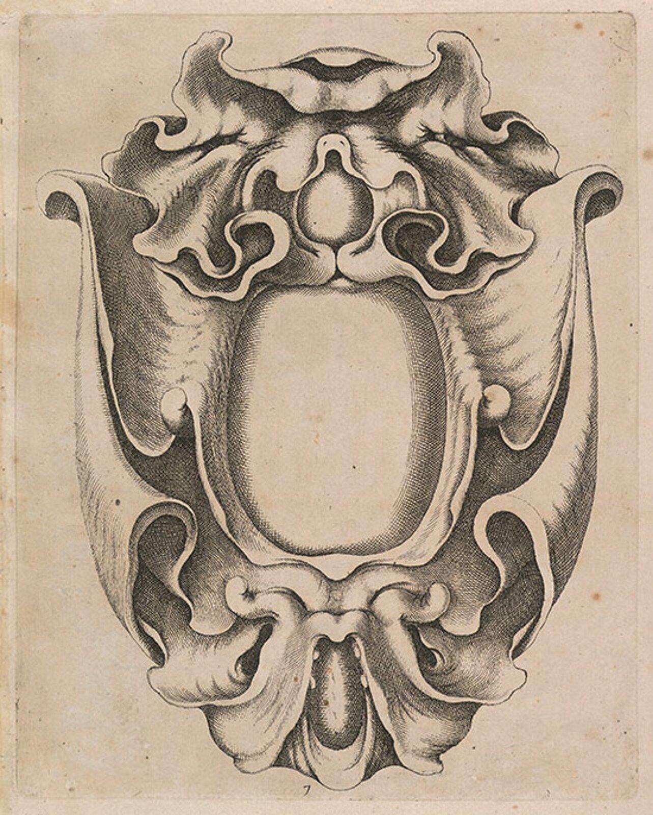 Ilustracja przedstawiająca ornament – małżowinowo-chrząstkowy. Element dekoracyjny naszkicowany jest czarnym kolorem bez wypełenień. Ornament ma kształ jak jajko. Po boku widoczne są zdobienia, które kształtem przypominają zjeżdżalnie.