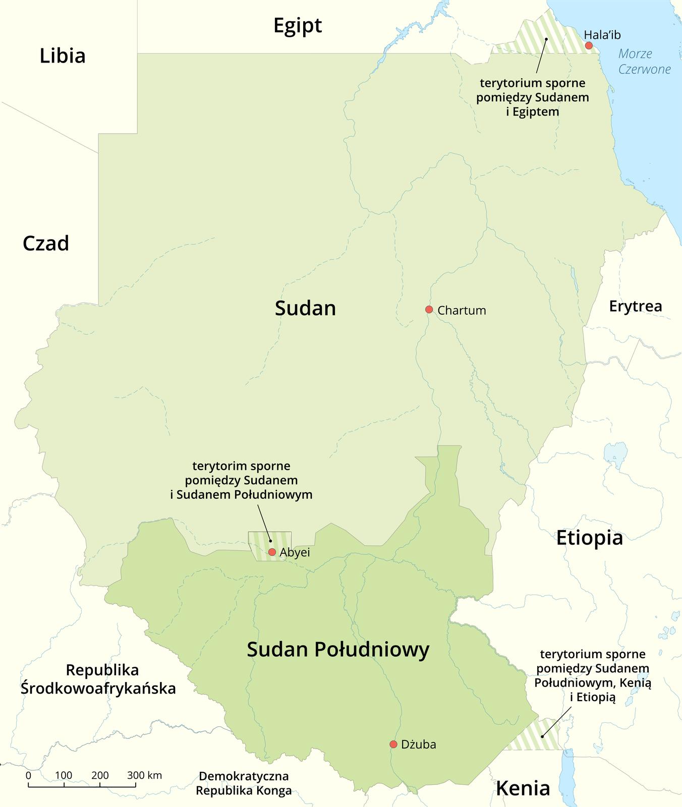Na ilustracji mapa Sudanu. Na północy graniczy zEgiptem iLibią. Na południu zRepubliką Środkowoafrykańską, Demokratyczną Republiką Konga iKenią. Sudan zaznaczony kolorem jasnozielonym. Wjego obrębie wpołudniowej części kolorem ciemniejszym wydzielono Sudan Południowy. Na granicy obu państw kreskowaniem wydzielono terytorium sporne. Na północy kreskowaniem wydzielono terytorium sporne między Egiptem aSudanem.