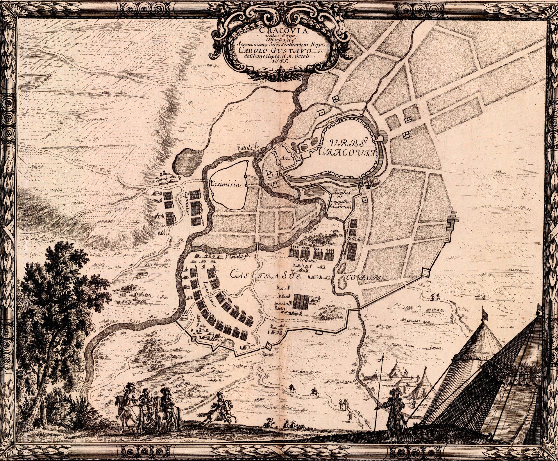 Samuel von Pufendorf, Oczynach Karola Gustawa, króla Szwecji, komentarzy ksiąg siedem, Norymberga 1696 Oblężenie Krakowa przez Szwedów trwało od 25 września do 13 października 1655 roku. 19 września do miasta przybył pobity pod Żarnowem Jan Kazimierz. Szlachta była mocno zdemoralizowana, awojsko zażądało wypłaty zaległego żołdu, wypowiadając posłuszeństwo. Na wsparcie ze strony tych oddziałów Kraków nie miał co liczyć. Nocą 24 września, na wieść ozbliżającej się armii szwedzkiej, miasto opuścił król iudał się na wschód wkierunku Wojnicza. WKrakowie pozostali żołnierze wojsk regularnych pod dowództwem kasztelana kijowskiego Stefana Czarnieckiego, których wspomagały oddziały mieszczan krakowskich istudentów. Czarniecki rozkazał spalić przedmieścia (Biskupie, Garbary iKleparz), aby odebrać osłonę szwedzkim natarciom. 25 września Szwedzi zaatakowali Kazimierz. Wdarli się nawet do Bramy Grodzkiej, jednak kontratak uniemożliwił zajęcie miasta zmarszu. Karol XGustaw został zmuszony do regularnego oblężenia irozpoczął ostrzał artyleryjski. Zostawiając część oddziałów pod oblężonym Krakowem, wyprawił się przeciw wojskom koronnym ipokonał je 3 października pod Wojniczem. Czarniecki, zdając sobie sprawę ze słabych nastrojów wśród wojska imieszkańców świadomych braku szans na odsiecz, podjął 12 października rozmowy kapitulacyjne. Źródło: Erik Dahlbergh, Samuel von Pufendorf, Oczynach Karola Gustawa, króla Szwecji, komentarzy ksiąg siedem, Norymberga 1696, 1655, domena publiczna.