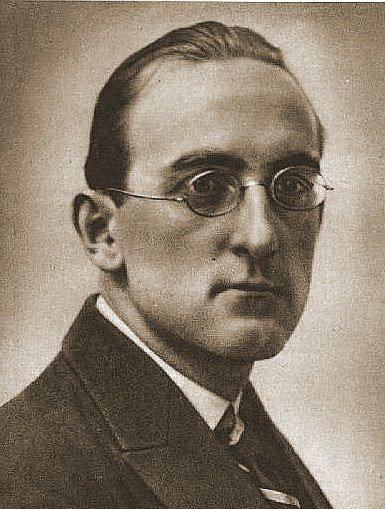 zdjęcie-portret Jana Lechonia Źródło: 1933, domena publiczna.