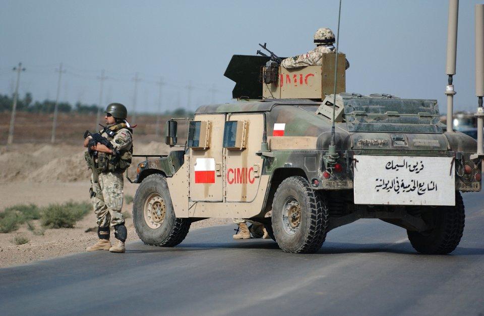 Polski Kontyngent Wojskowy wIraku, żołnierze wczasie patrolu