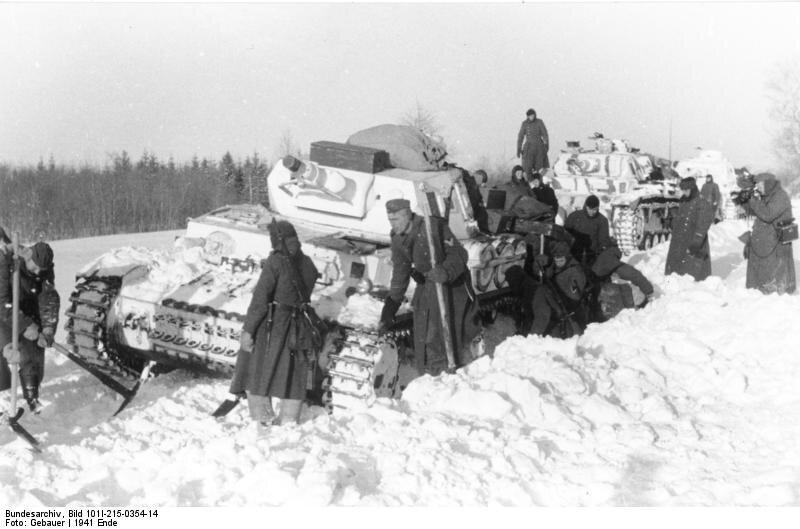 Niemieckiewojska pancerne zablokowane zimą Niemieckiewojska pancerne zablokowane zimą Źródło: licencja: CC BY-SA 3.0.