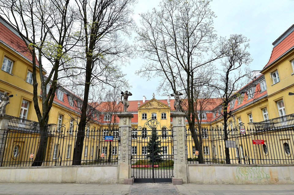 Pałac Teppera wWarszawie przy ul. Miodowej. Pałac Teppera wWarszawie przy ul. Miodowej. Źródło: Adrian Grycuk, Wikimedia Commons, licencja: CC BY-SA 3.0.