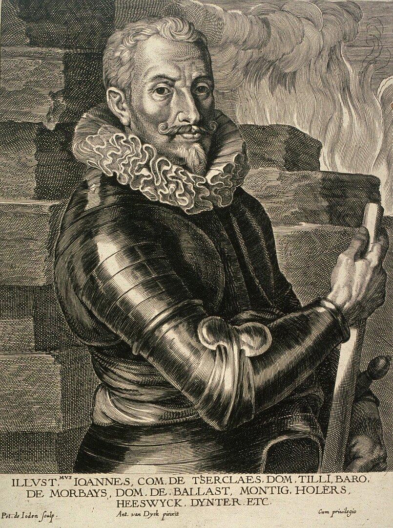 Portret Johanna t'Serclaes von Tilly Johan von Tilly,generał wsłużbie bawarskiej, anastępnie habsburskiej.Po wybuchu wojny trzydziestoletniej dowodził wojskami Ligi Katolickiej, które wraz zarmią cesarską rozgromiły siły protestanckie wbitwie pod Białą Górą wroku 1620. Źródło: Pieter de Jode II, Portret Johanna t'Serclaes von Tilly, 1630, sztych, Muzeum Sztuk Pięknych wSan Francisco, domena publiczna.