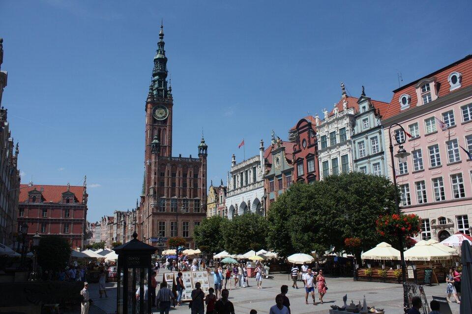 Długi Targ wGdańsku – główna ulica wzabytkowym centrum miasta