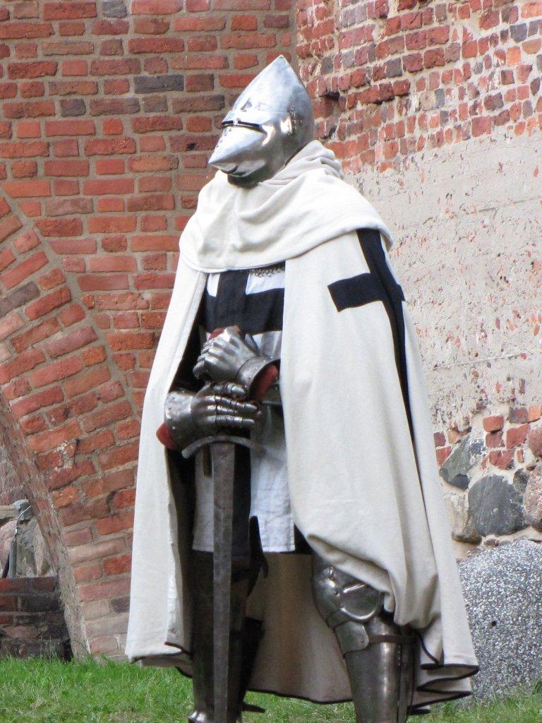 Tak wyglądali rycerze zakonu krzyżackiego Tak wyglądali rycerze zakonu krzyżackiego Źródło: Marcin Polak, Wikimedia Commons, licencja: CC BY 2.0.