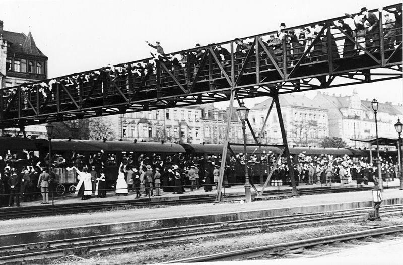 zdjęcie zniemieckiej pocztówki Źródło: zdjęcie zniemieckiej pocztówki, 1914, domena publiczna.