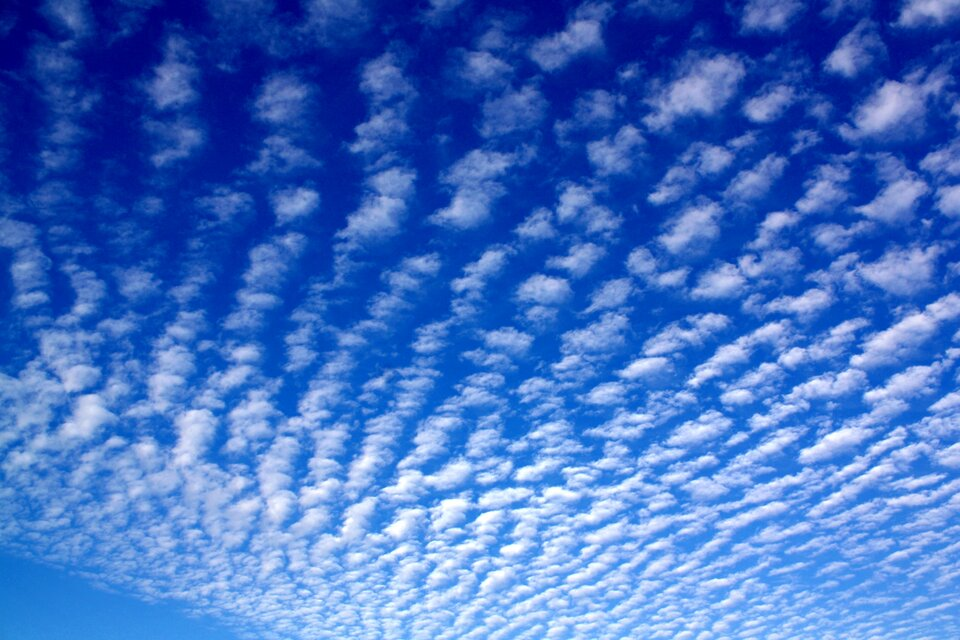 Fotografia chmury typu Altocumulus