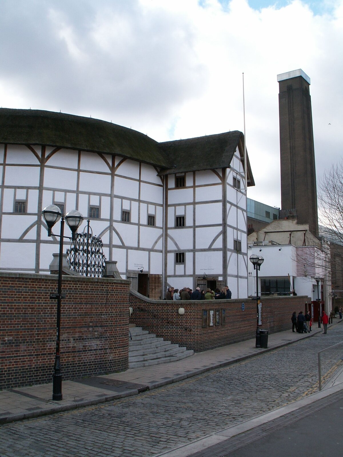 Teatr Globe wLondynie Teatr Globe wLondynie Źródło: Dickbauch, Wikimedia Commons, licencja: CC BY-SA 3.0.