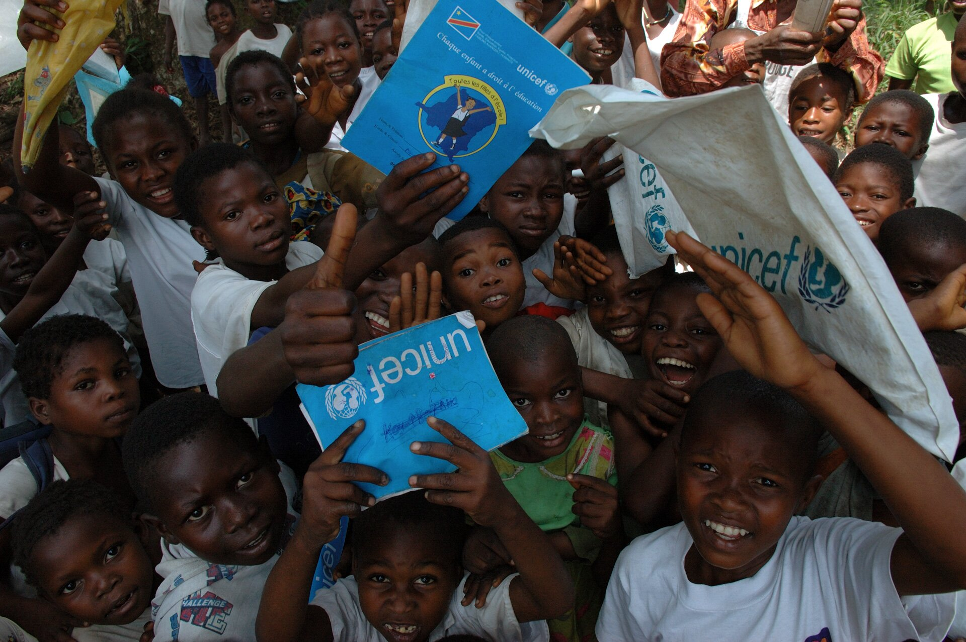 Dzieci objęte programem UNICEF:Powrót do szkoły
