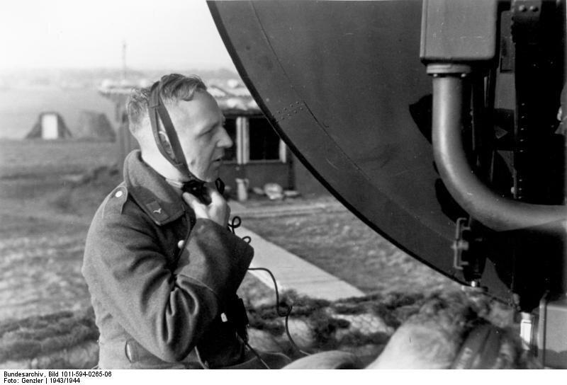 Radar Würzburg–niemieckiradarnaziemny Radar Würzburg–niemieckiradarnaziemny Źródło: licencja: CC BY-SA 3.0.