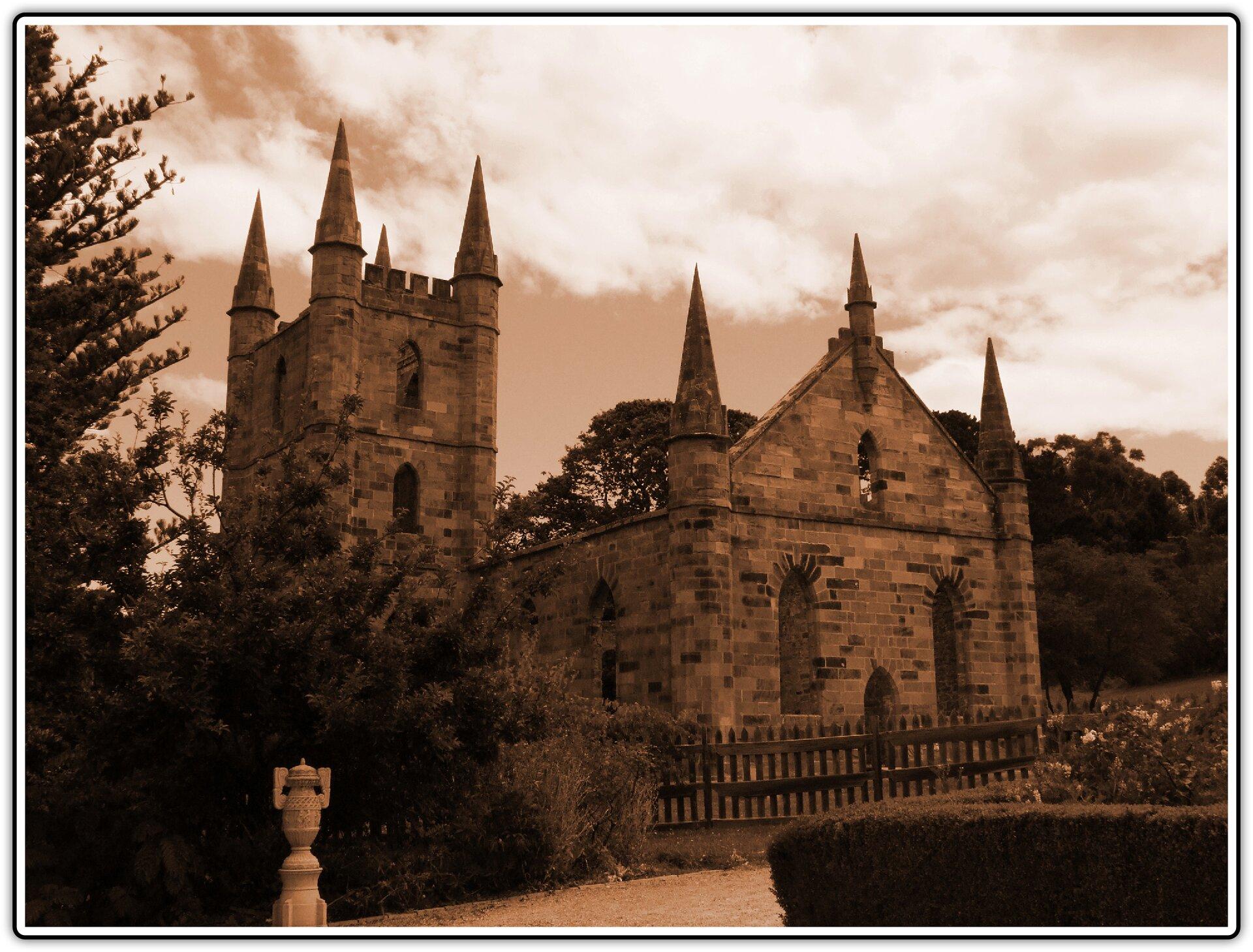 Fotografia przedstawiająca kościół