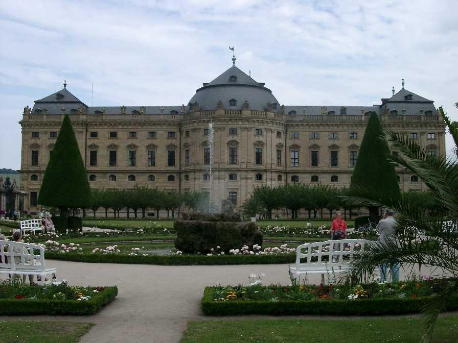 Rezydencja biskupów wWürzburgu. Rezydencja biskupów wWürzburgu. Źródło: Lutz.marten at English Wikipedia, Wikimedia Commons, licencja: CC BY-SA 3.0.