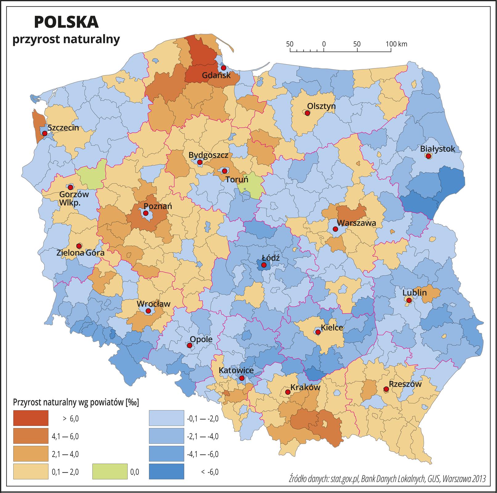 Ilustracja przedstawia mapę Polski zpodziałem na województwa ipowiaty. Na mapie przedstawiono przyrost naturalny. Granice województw zaznaczone są czerwoną linią. Granice powiatów zaznaczone są czarną linią. Odcieniami koloru pomarańczowego przedstawiono powiaty, wktórych przyrost naturalny jest dodatni (województwo pomorskie, wielkopolskie, podkarpackie, małopolskie, centralna część województwa mazowieckiego ipołudniowa część województwa śląskiego), aodcieniami koloru niebieskiego – ujemny (pozostałe województwa). Kolorem zielonym oznaczono powiaty, wktórych przyrost naturalny jest równy zero (dwa powiaty – jeden wwojewództwie kujawsko-pomorskim, drugi wwojewództwie lubuskim). Czerwonymi kropkami zaznaczono miasta wojewódzkie. Po lewej stronie mapy na dole wlegendzie umieszczono kolorowe prostokąty iopisano wielkość przyrostu naturalnego wpromilach. Czterema odcieniami koloru pomarańczowego przedstawiono powiaty, wktórych przyrost naturalny jest dodatni (do dwóch , dwa do czterech, cztery do sześciu ipowyżej sześciu promili), aczterema odcieniami koloru niebieskiego – ujemny (do dwóch , dwa do czterech, cztery do sześciu ipowyżej sześciu promili). Kolorem zielonym oznaczono powiaty, wktórych przyrost naturalny jest równy zero.