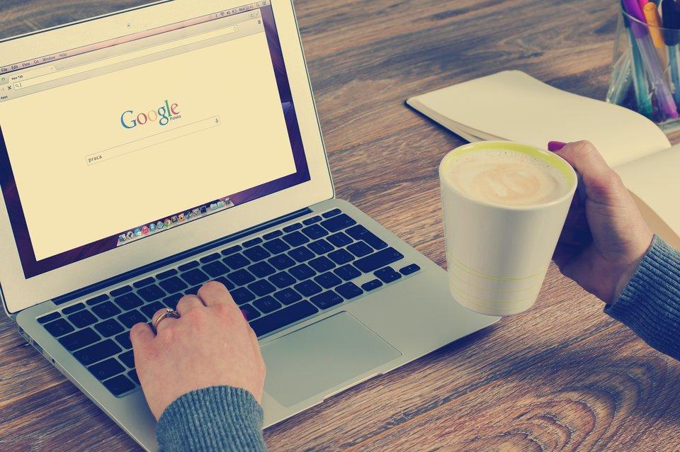 Poszukiwanie pracy wInternecie Źródło: pixabay, Poszukiwanie pracy wInternecie, licencja: CC 0.