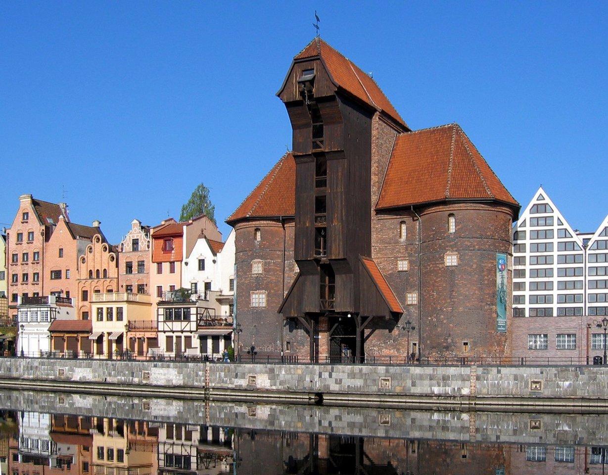 Żuraw gdański Źródło: Rafal Konkolewski, Żuraw gdański, Wikimedia Commons, licencja: CC BY-SA 2.5.