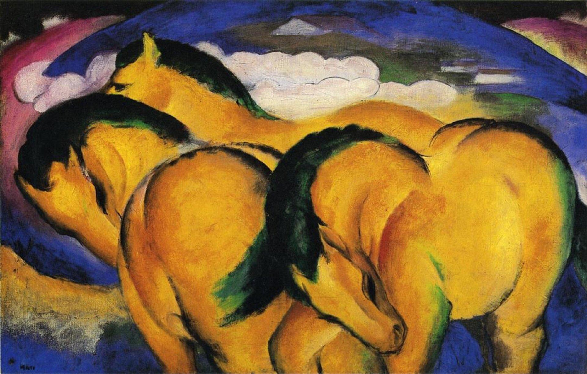 """Ilustracja przedstawia obraz Franza Marca pt. """"Małe żółte konie"""". Obraz ukazuje żółte konie na pastwisku. Wyraźnie widoczne są figury geometryczne - koła ikule. Tło jest niebieskie, okrągłe przypominające Ziemię. Wśrodku obrazu widoczny jest szczyt góry, który unosi się ponad chmurami ikońmi jako szary trójkąt."""