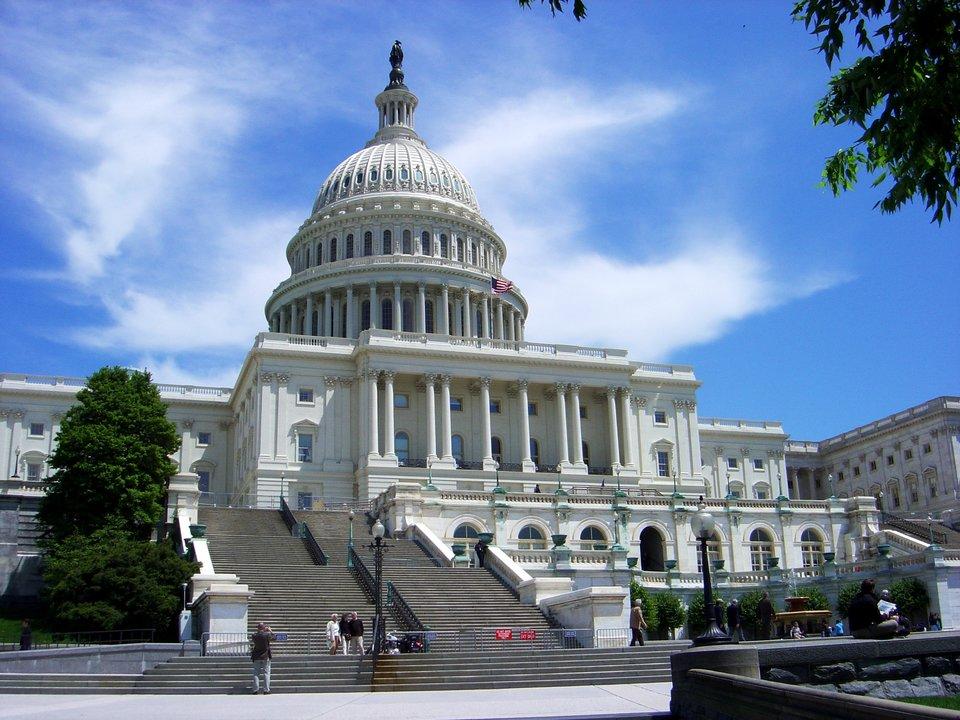 Budynek Kapitolu wWaszyngtonie, siedziba Kongresu Stanów Zjednoczonych Budynek Kapitolu wWaszyngtonie, siedziba Kongresu Stanów Zjednoczonych Źródło: Kevin McCoy, Wikimedia Commons, licencja: CC BY-SA 2.0.