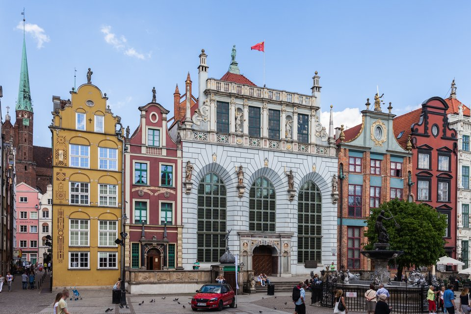Gdańsk - Dwór Artusa Gdańsk - Dwór Artusa Źródło: Diego Delso, Wikimedia Commons, licencja: CC BY-SA 3.0.