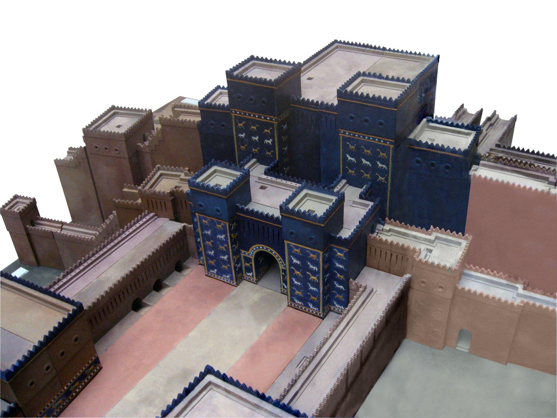 Diorama przedstawiająca Bramę Isztar – model wMuzeum Pergamońskim wBerlinie Diorama przedstawiająca Bramę Isztar – model wMuzeum Pergamońskim wBerlinie Źródło: domena publiczna.