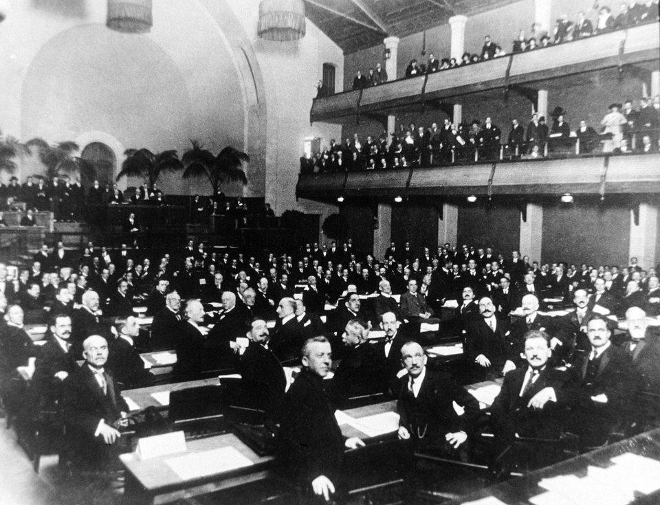 Sesja Zgromadzenia Ligi Narodów Źródło: Sesja Zgromadzenia Ligi Narodów.