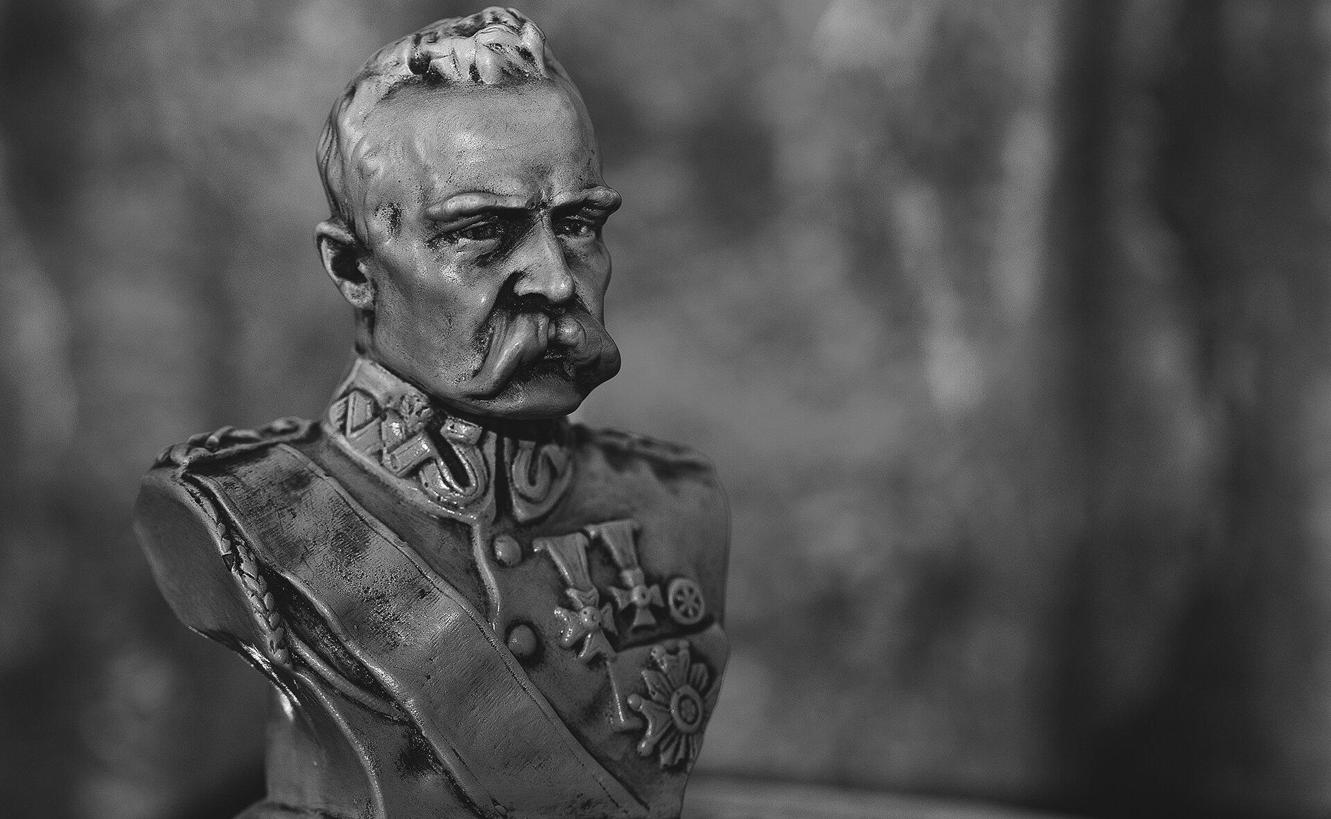 PopiersieJózefa Piłsudskiego PopiersieJózefa Piłsudskiego Źródło: licencja: CC 0.